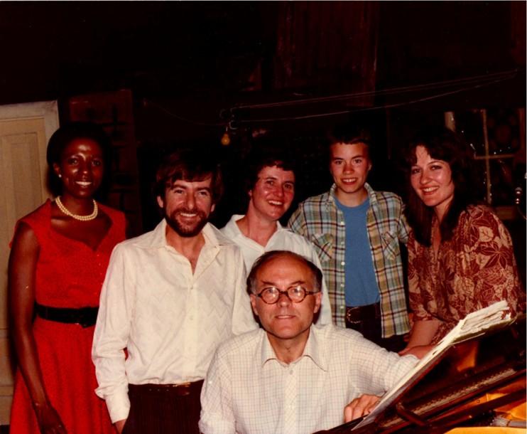 1980 - Met Donald Swann, Mara Louw, Will Bernard, Joe Dunstan en Donald se dogter, by die Markteater