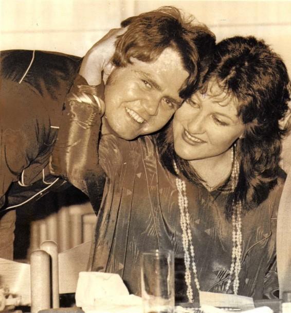 1983 - Met Kupido met die vrystelling van 'Jy is te dierbaar' Foto:Die Transvaler